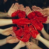 http://foter.com/photo/hand-people-heart/